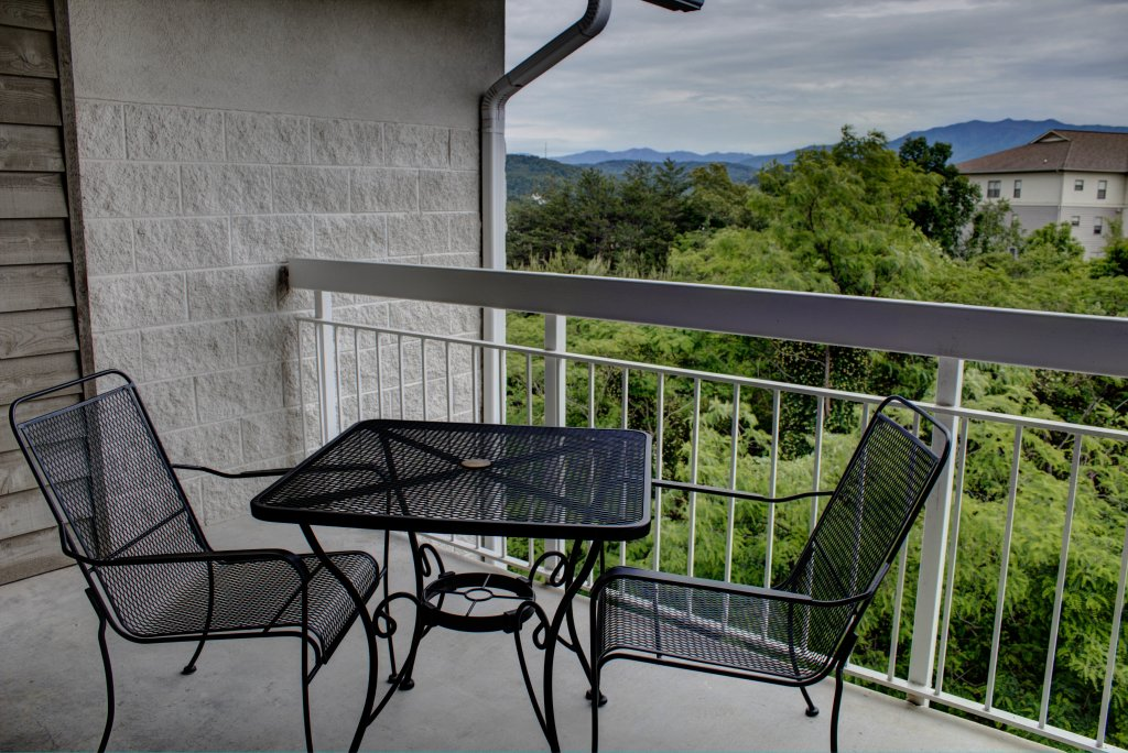 Photo of a Pigeon Forge Condo named Whispering Pines 352hc - This is the forty-seventh photo in the set.