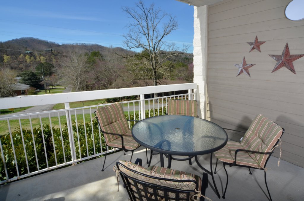 Photo of a Pigeon Forge Condo named Whispering Pines 511 - This is the thirty-third photo in the set.