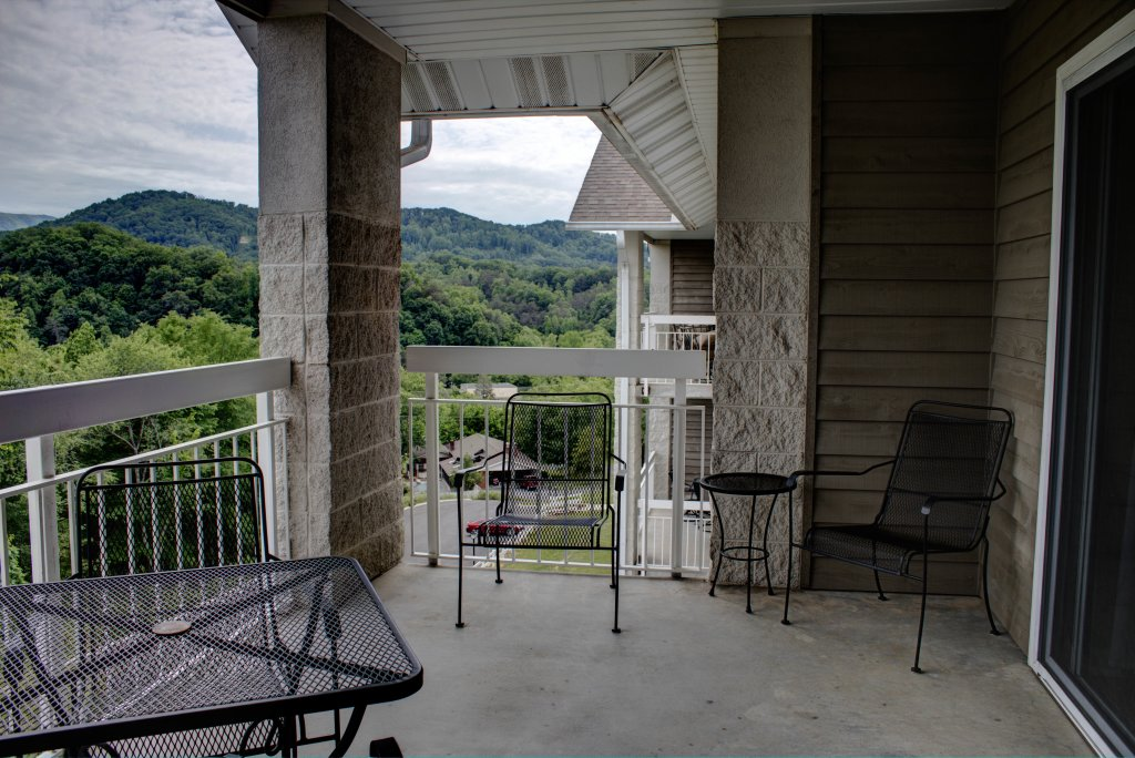 Photo of a Pigeon Forge Condo named Whispering Pines 352hc - This is the forty-eighth photo in the set.