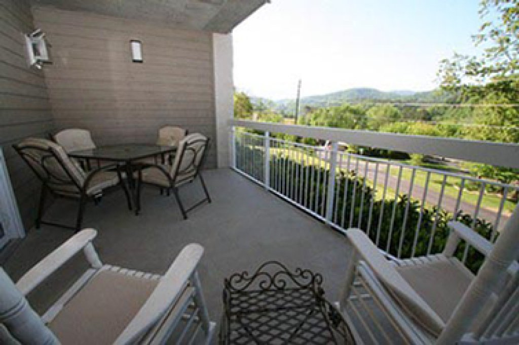 Photo of a Pigeon Forge Condo named Whispering Pines 514 - This is the twenty-fifth photo in the set.