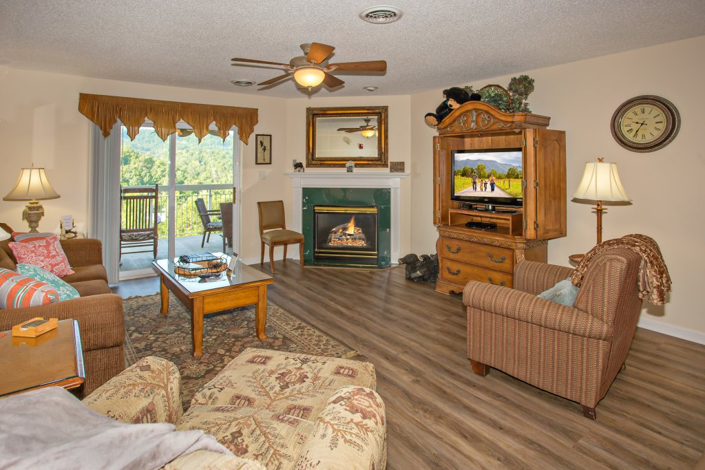 Photo of a Pigeon Forge Condo named Whispering Pines 553 - This is the fifth photo in the set.
