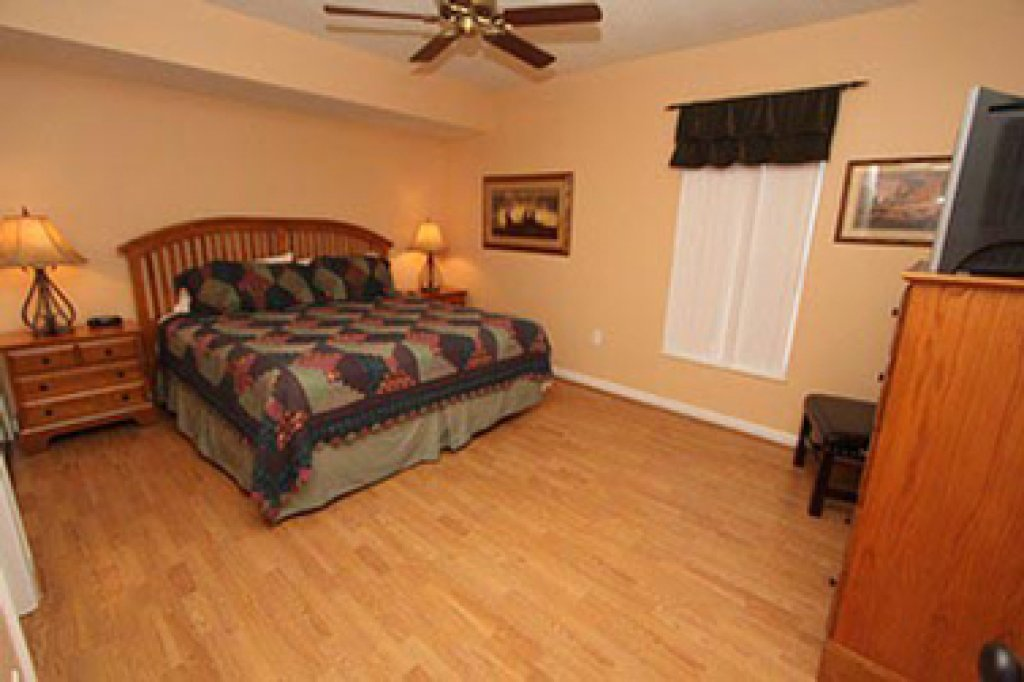 Photo of a Pigeon Forge Condo named Whispering Pines 631 - This is the eighth photo in the set.