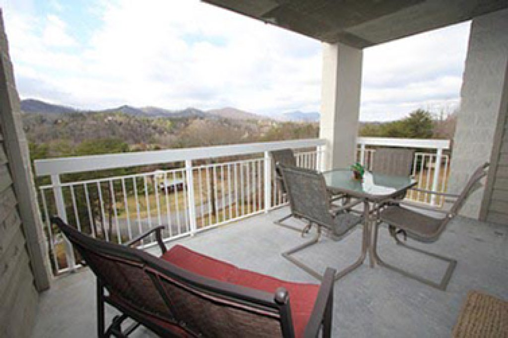 Photo of a Pigeon Forge Condo named Whispering Pines 631 - This is the fourteenth photo in the set.
