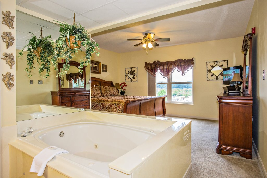 Photo of a Pigeon Forge Condo named Whispering Pines 212 - This is the fifth photo in the set.