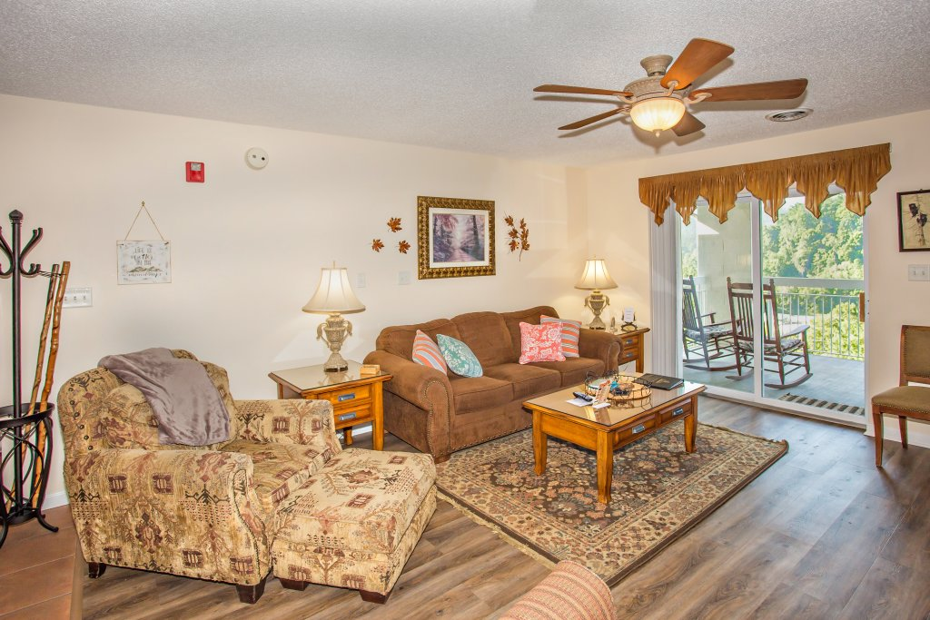 Photo of a Pigeon Forge Condo named Whispering Pines 553 - This is the first photo in the set.