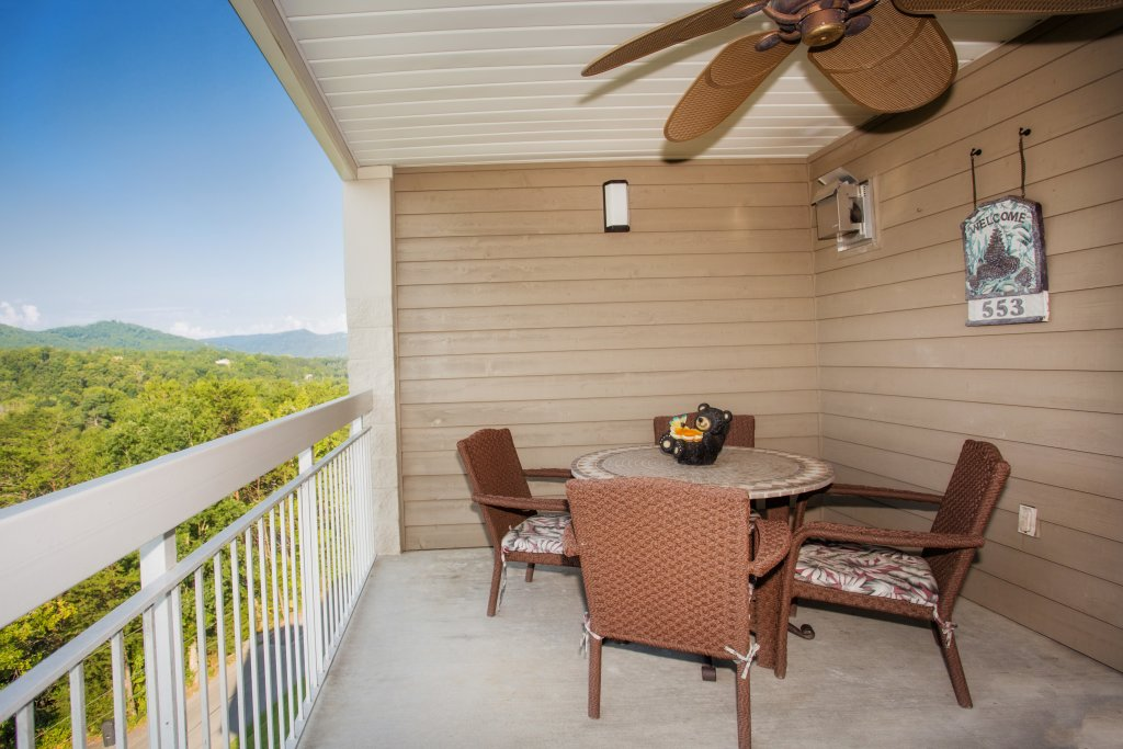 Photo of a Pigeon Forge Condo named Whispering Pines 553 - This is the fourteenth photo in the set.