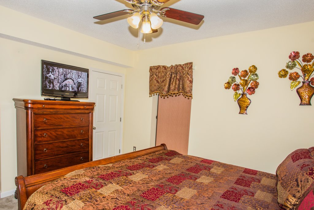 Photo of a Pigeon Forge Condo named Whispering Pines 212 - This is the sixth photo in the set.