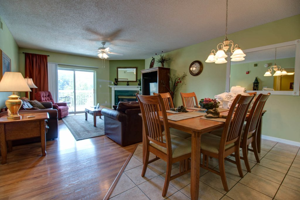 Photo of a Pigeon Forge Condo named Whispering Pines 521 - This is the first photo in the set.