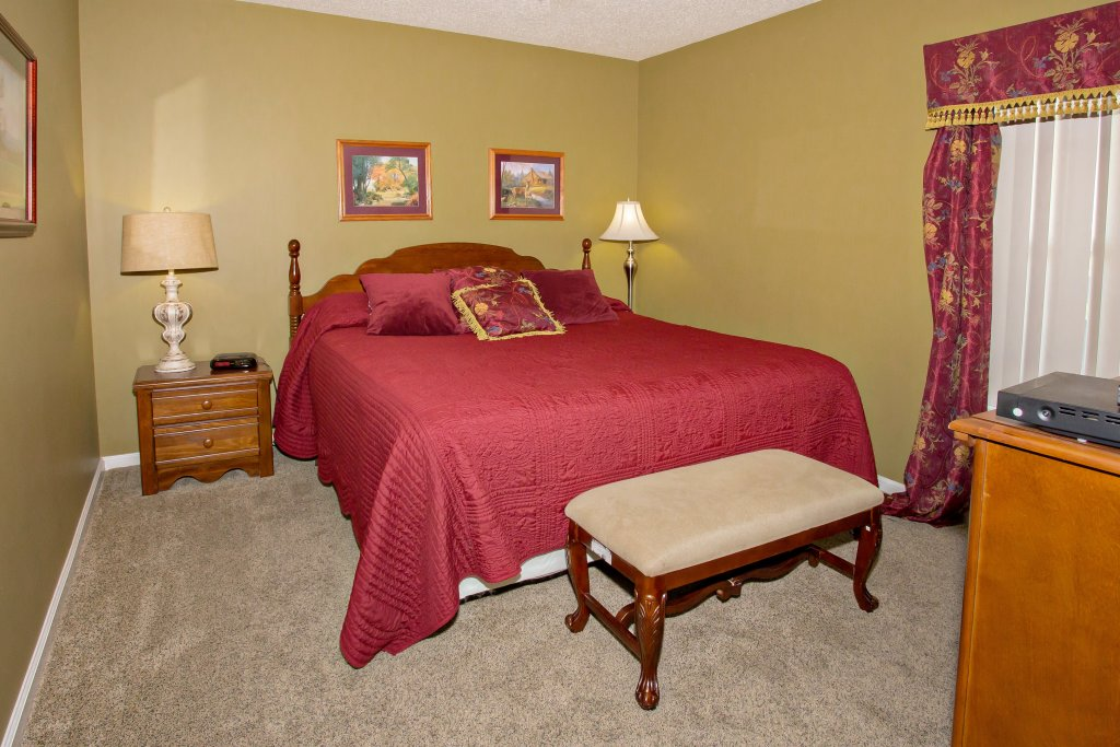 Photo of a Pigeon Forge Condo named Whispering Pines 453 - This is the eleventh photo in the set.