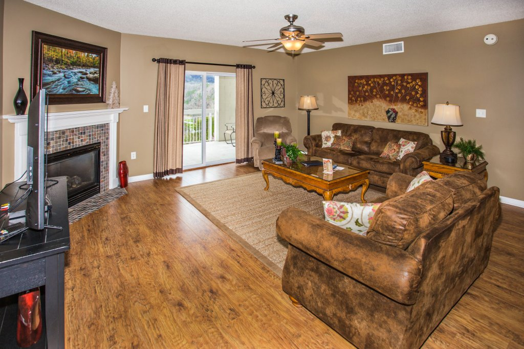Photo of a Pigeon Forge Condo named Whispering Pines 544 - This is the third photo in the set.