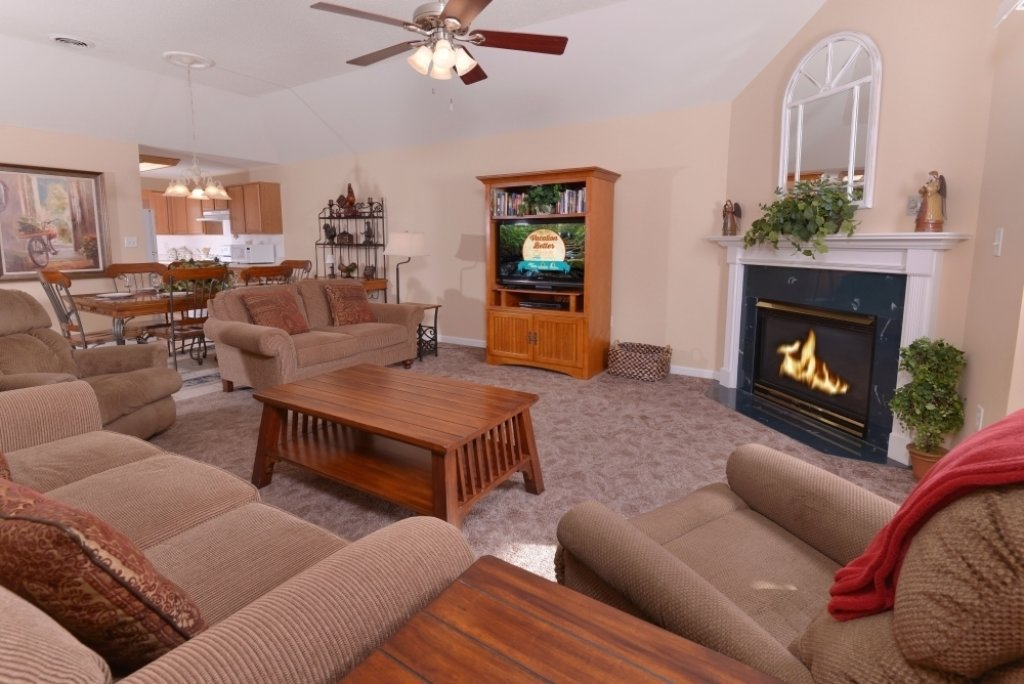 Photo of a Pigeon Forge Condo named Whispering Pines 653 - This is the third photo in the set.