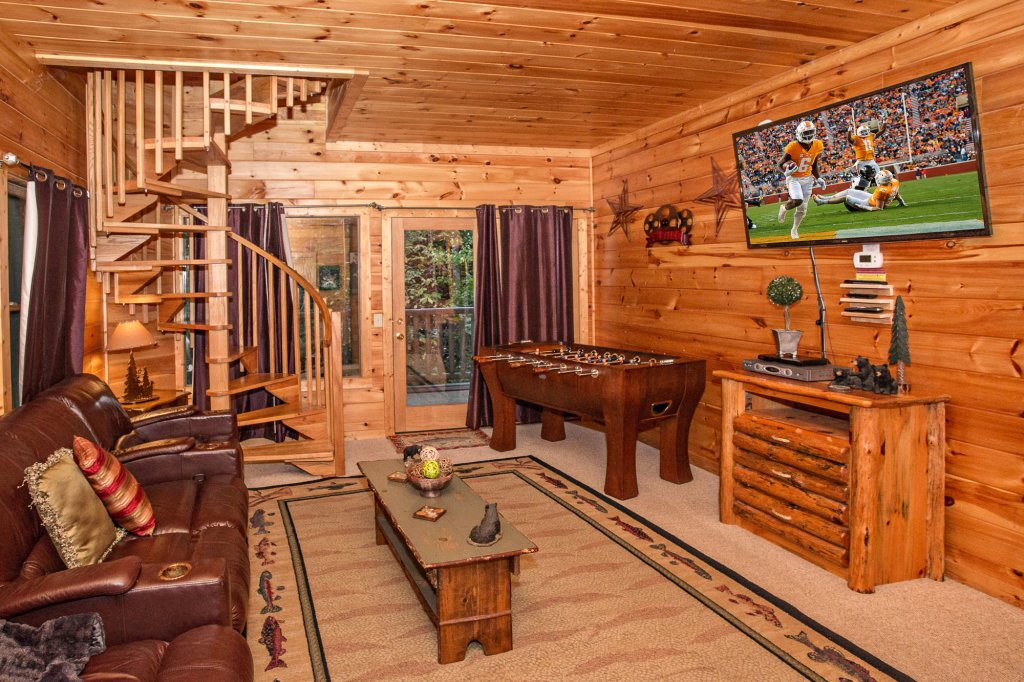 Photo of a Sevierville Cabin named Cedar Forest - This is the fortieth photo in the set.