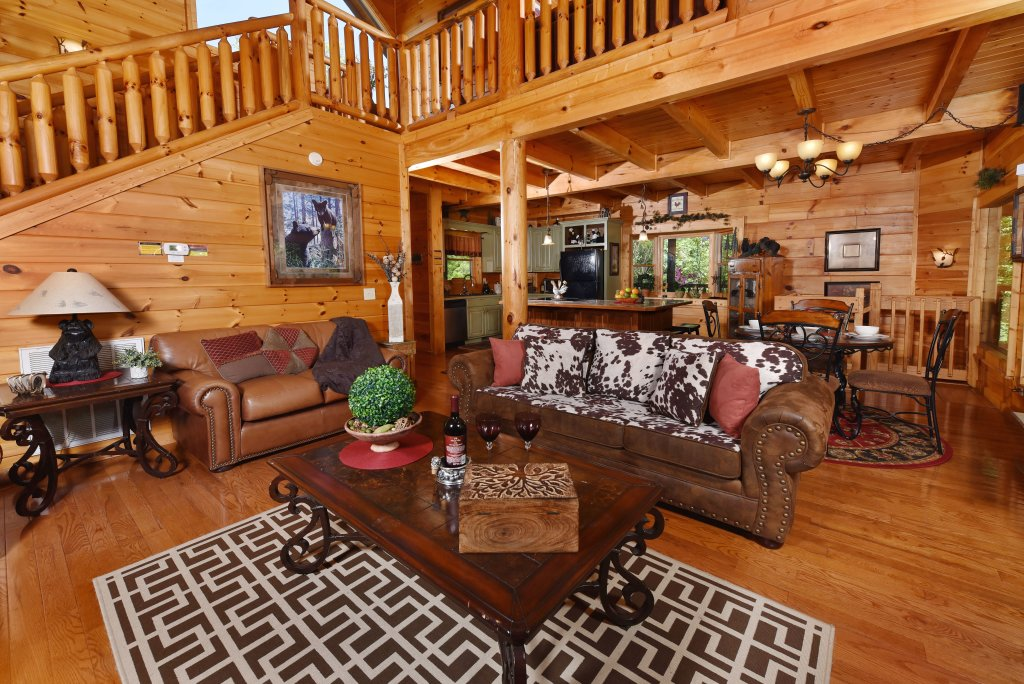 Photo of a Sevierville Cabin named Cedar Forest - This is the seventh photo in the set.
