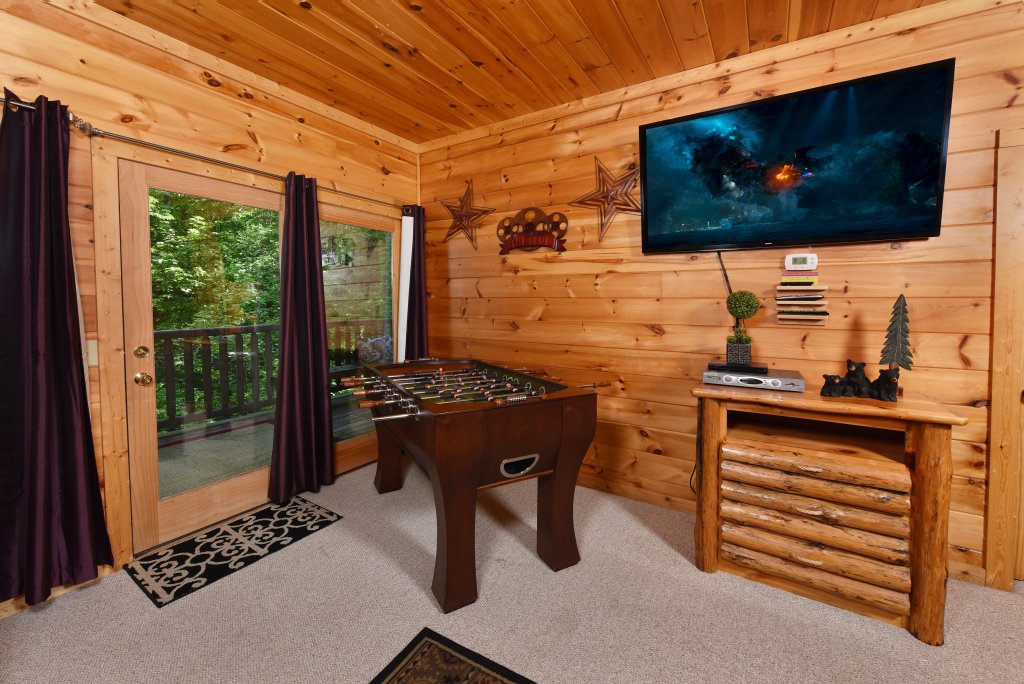 Photo of a Sevierville Cabin named Cedar Forest - This is the thirty-sixth photo in the set.