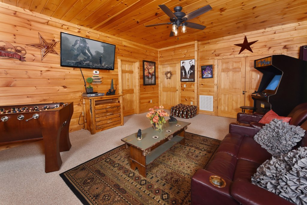 Photo of a Sevierville Cabin named Cedar Forest - This is the thirty-ninth photo in the set.