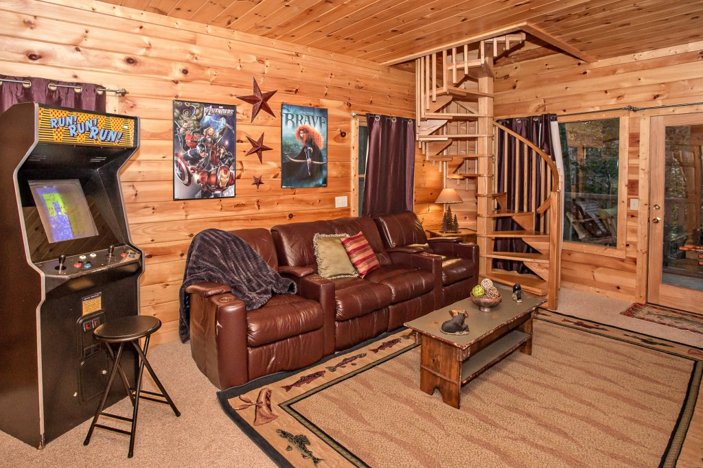 Photo of a Sevierville Cabin named Cedar Forest - This is the thirty-seventh photo in the set.