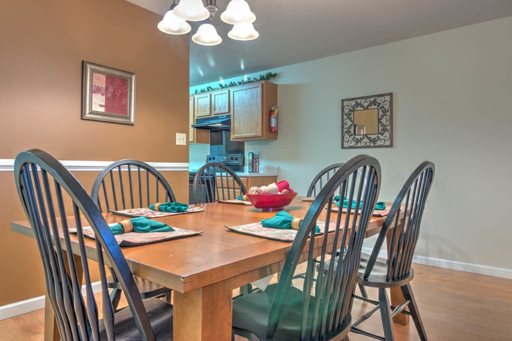 Photo of a Pigeon Forge Condo named Cedar Lodge 703 - This is the third photo in the set.
