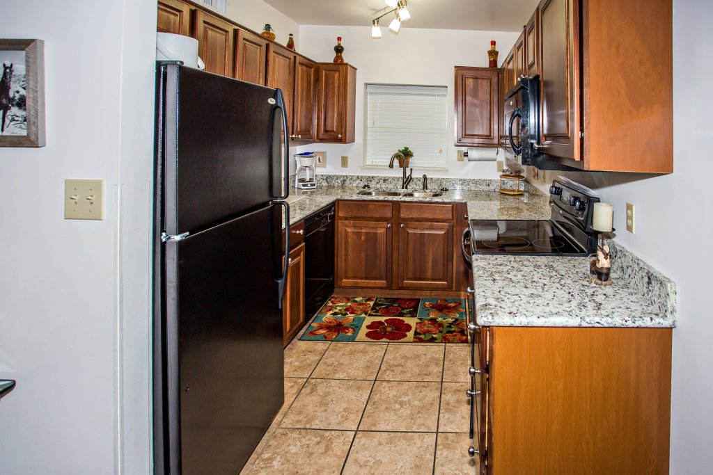 Photo of a Pigeon Forge Condo named Cedar Lodge 603 - This is the third photo in the set.