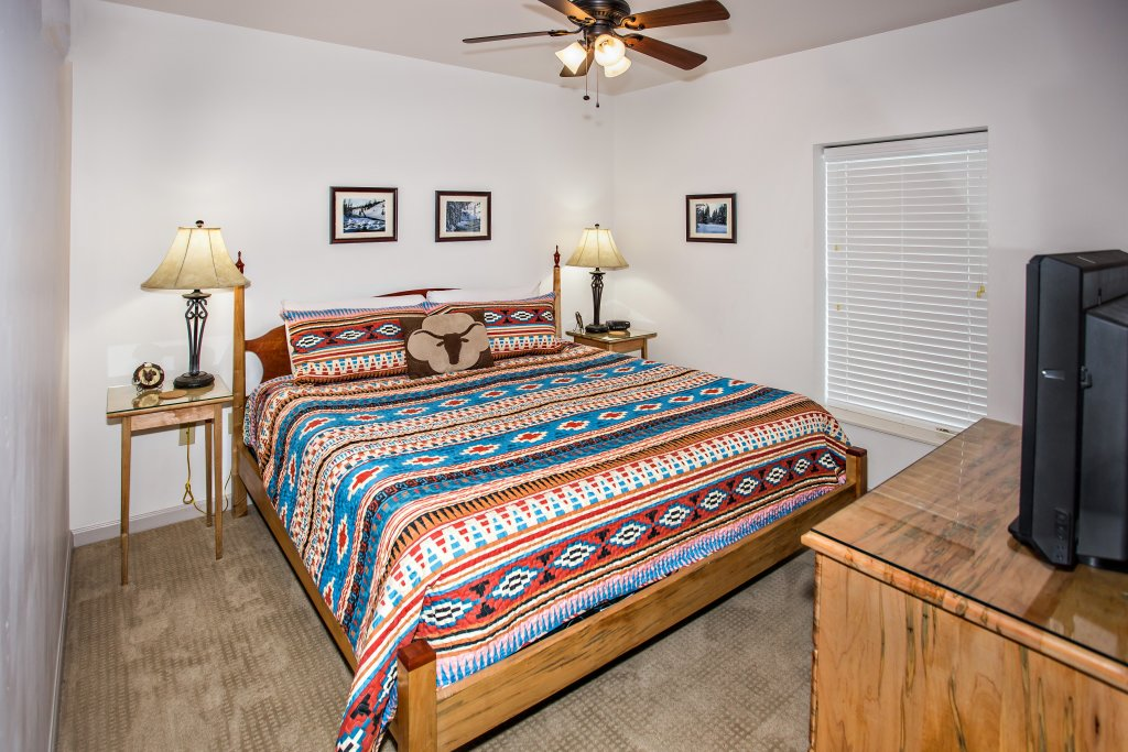 Photo of a Pigeon Forge Condo named Cedar Lodge 603 - This is the fifth photo in the set.