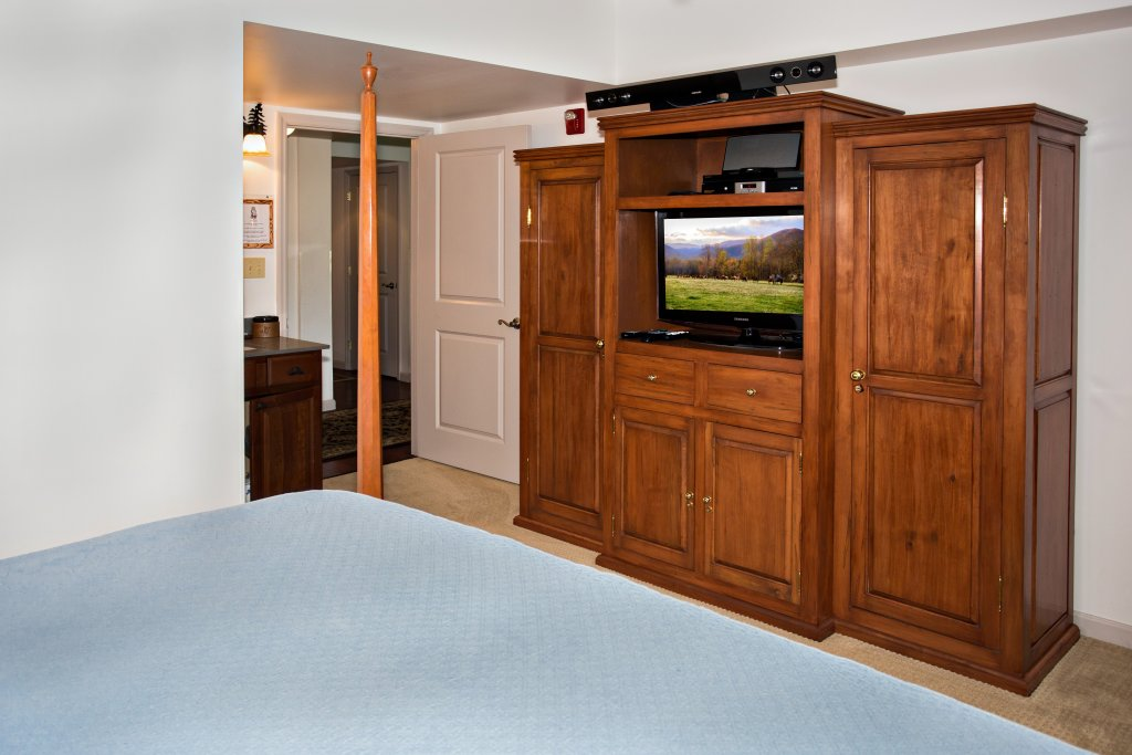 Photo of a Pigeon Forge Condo named Cedar Lodge 603 - This is the seventh photo in the set.