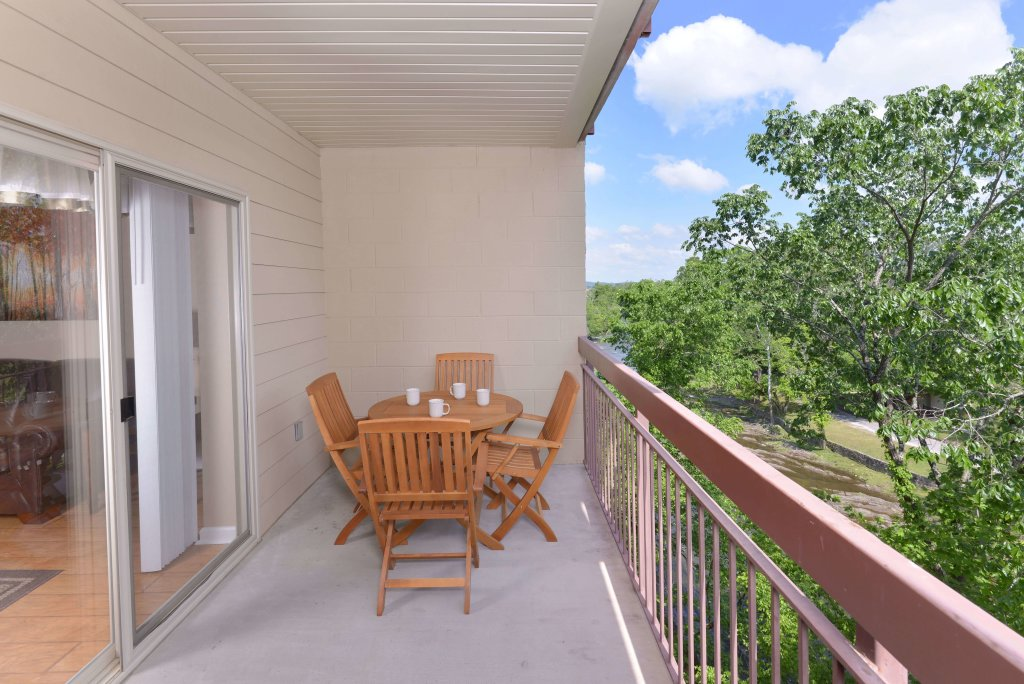 Photo of a Pigeon Forge Condo named Cedar Lodge 504 - This is the thirty-ninth photo in the set.