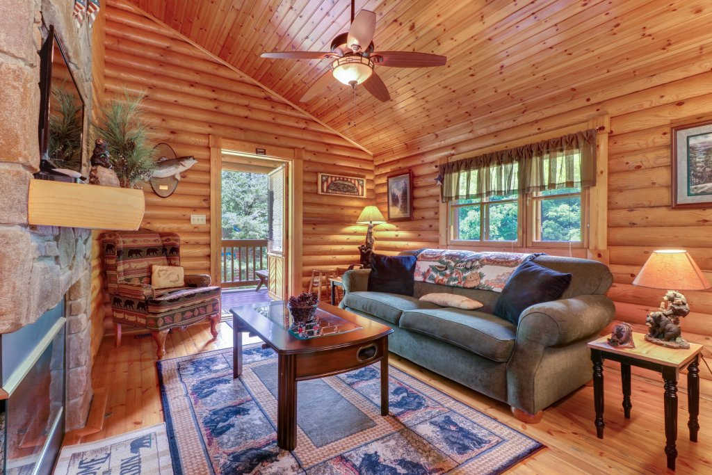 Photo of a Gatlinburg Cabin named Unforgettable Dreams - This is the first photo in the set.