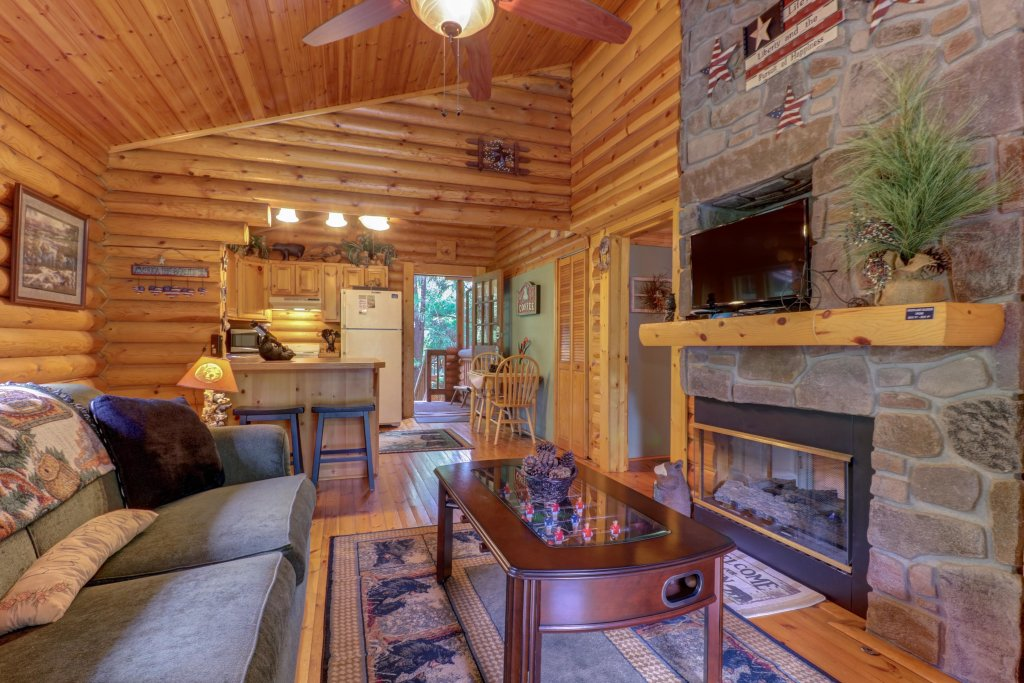 Photo of a Gatlinburg Cabin named Unforgettable Dreams - This is the eighth photo in the set.
