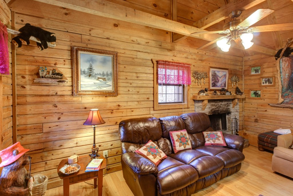 Photo of a Sevierville Cabin named Bear Haven Cabin - This is the seventh photo in the set.