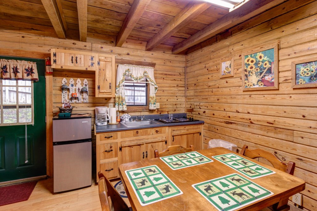 Photo of a Sevierville Cabin named Bear Haven Cabin - This is the thirteenth photo in the set.