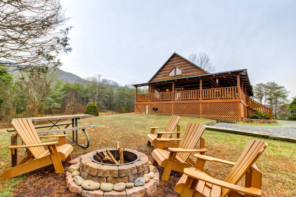 Photo of a Sevierville Cabin named Twin Cub Lodge Cabin - This is the fifteenth photo in the set.
