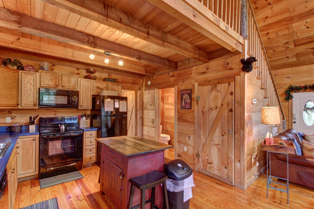 Photo of a Sevierville Cabin named Twin Cub Lodge Cabin - This is the seventeenth photo in the set.