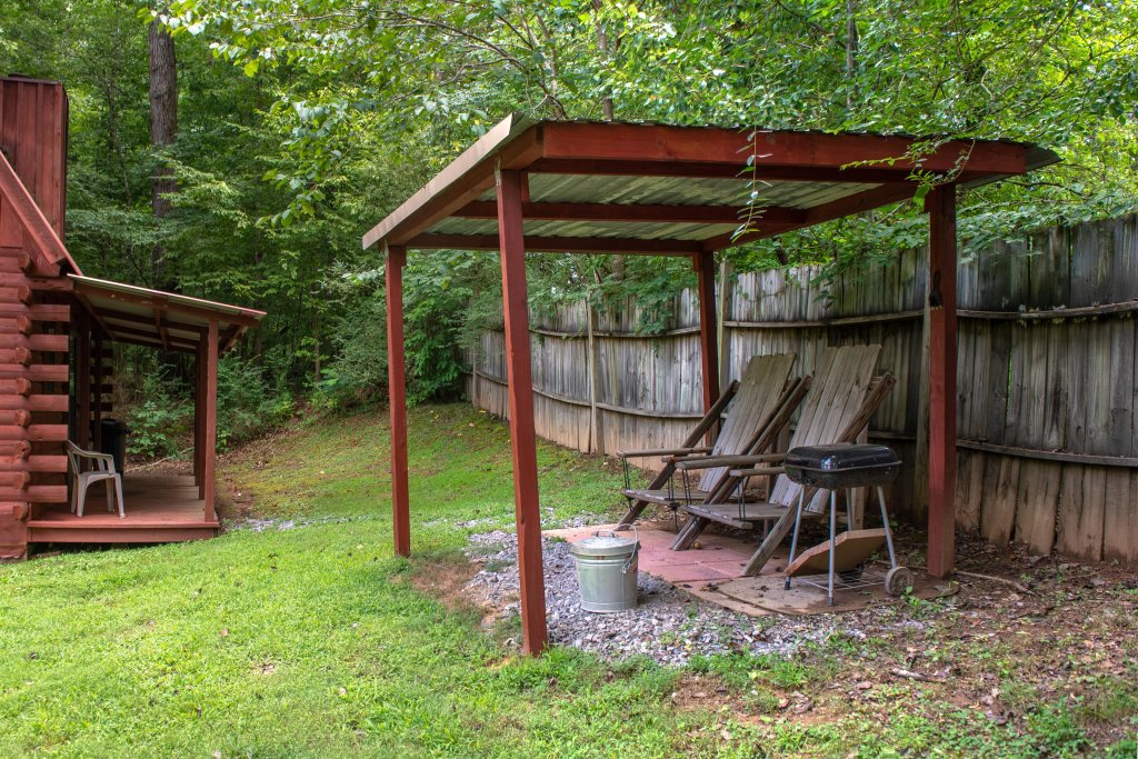 Photo of a Sevierville Cabin named Bear Haven Cabin - This is the thirty-fourth photo in the set.