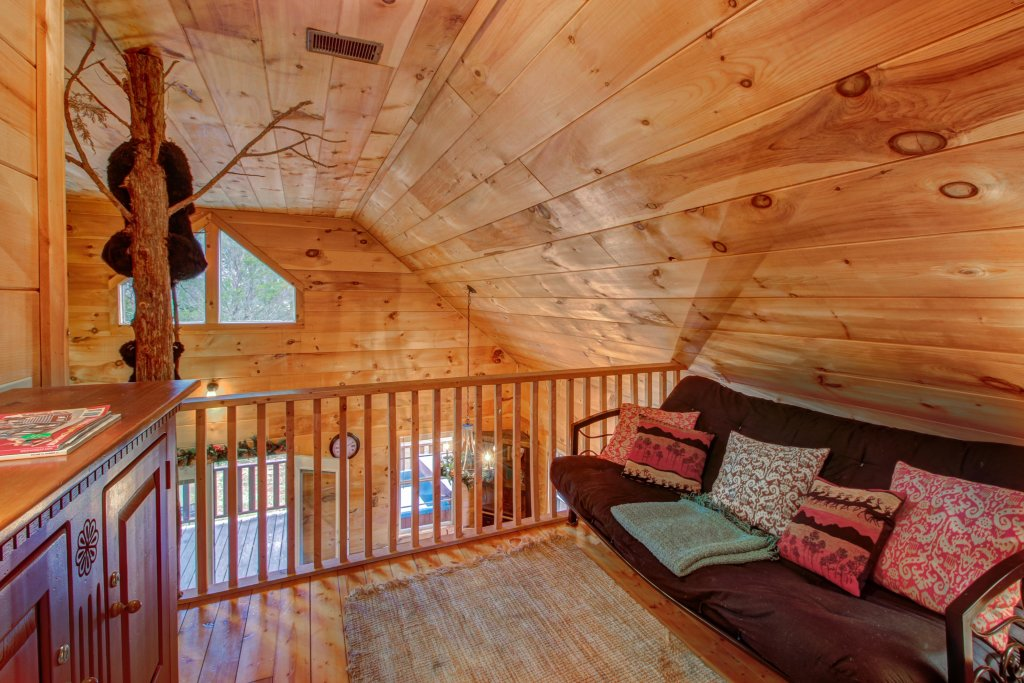 Photo of a Sevierville Cabin named Twin Cub Lodge Cabin - This is the twentieth photo in the set.
