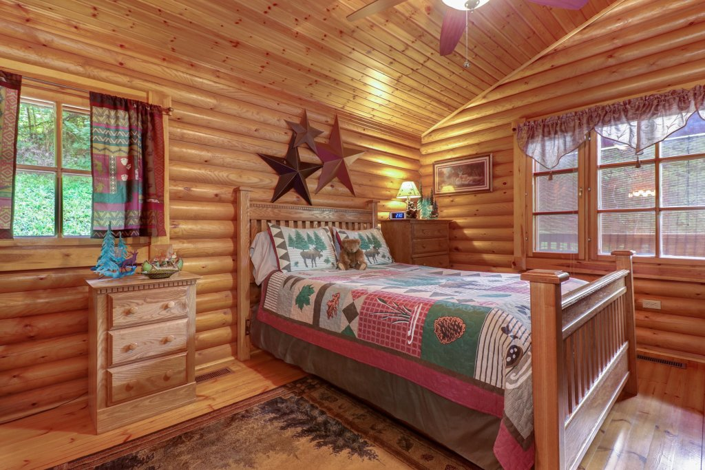 Photo of a Gatlinburg Cabin named Unforgettable Dreams - This is the eighteenth photo in the set.