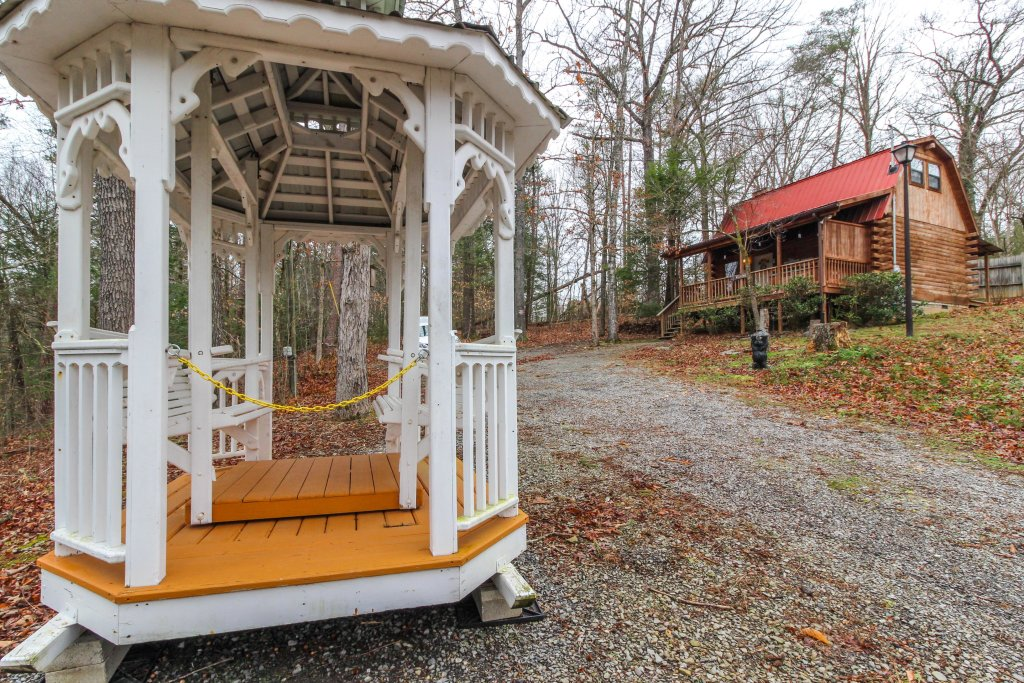Photo of a Sevierville Cabin named Bear Haven Cabin - This is the twenty-second photo in the set.