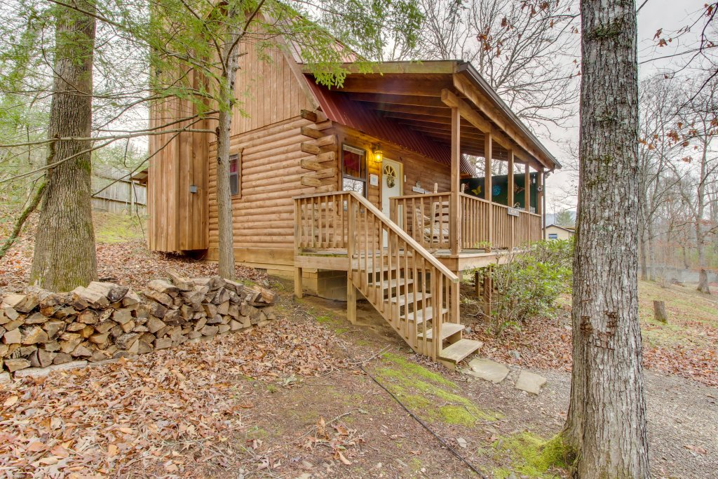 Photo of a Sevierville Cabin named Bear Haven Cabin - This is the thirty-second photo in the set.