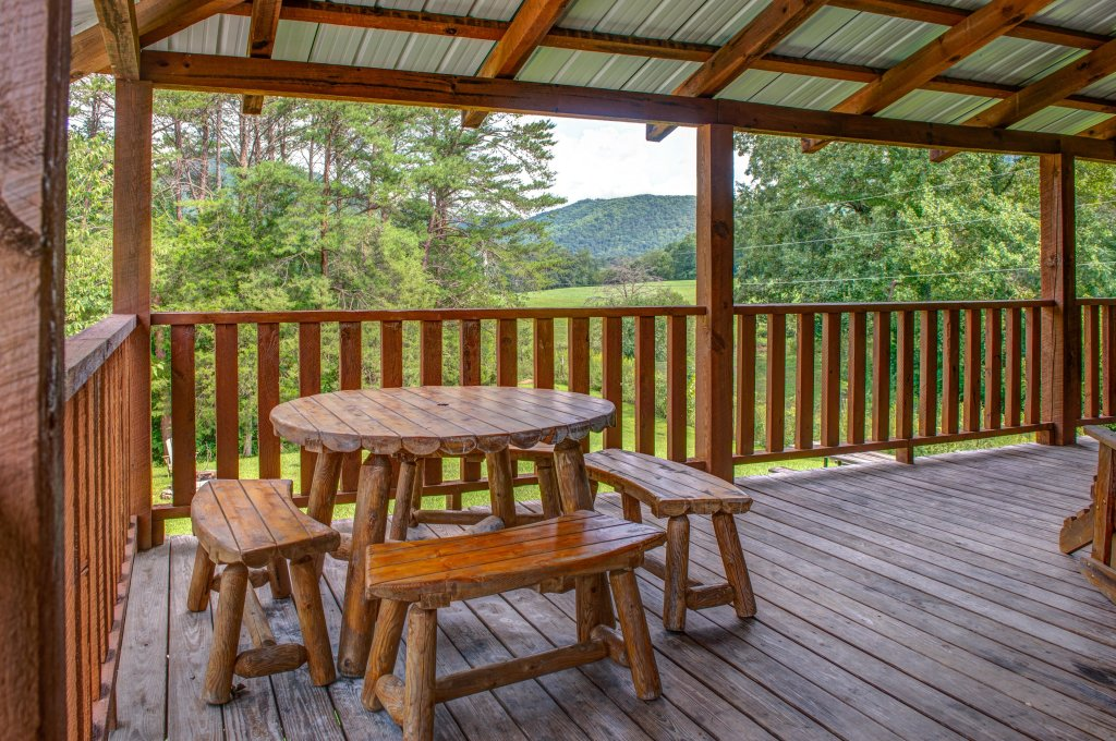 Photo of a Sevierville Cabin named Twin Cub Lodge Cabin - This is the forty-fifth photo in the set.