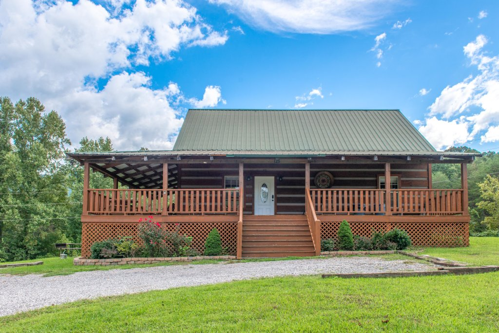 Photo of a Sevierville Cabin named Twin Cub Lodge Cabin - This is the forty-third photo in the set.
