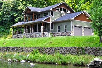 River Memories, 3 Bedrooms, On The Water, Hot Tub, Pool Table, Sleeps 8