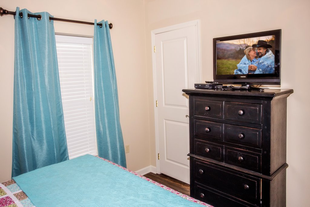 Photo of a Pigeon Forge Condo named Cedar Lodge 303 - This is the seventh photo in the set.