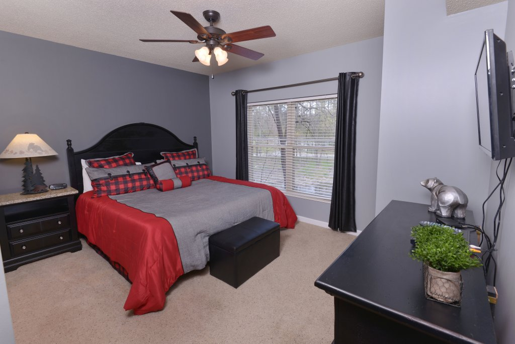 Photo of a Pigeon Forge Condo named Cedar Lodge 105 - This is the fifth photo in the set.
