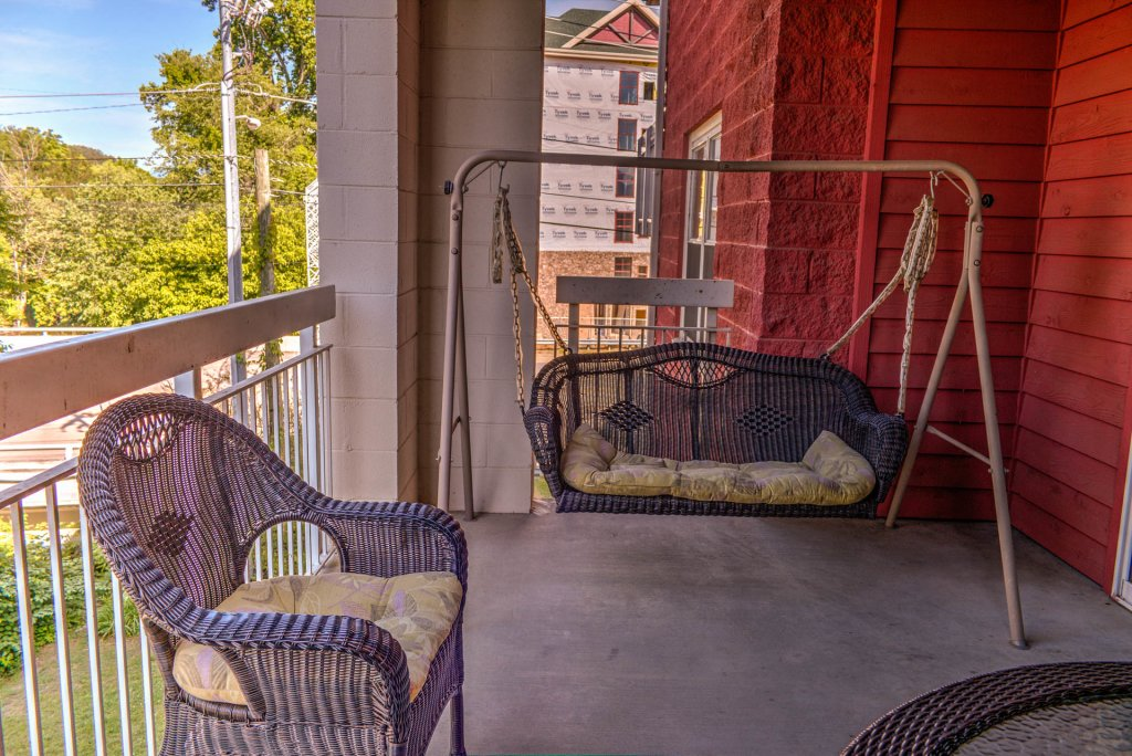 Photo of a Pigeon Forge Condo named Bear Crossing 204 - This is the nineteenth photo in the set.