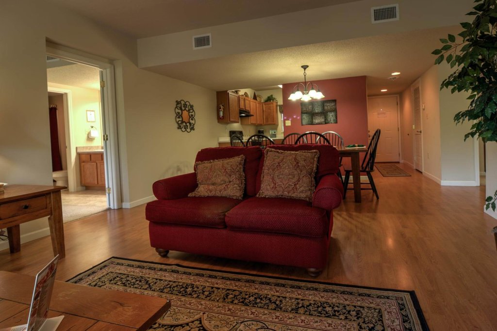 Photo of a Pigeon Forge Condo named Cedar Lodge 405 - This is the third photo in the set.