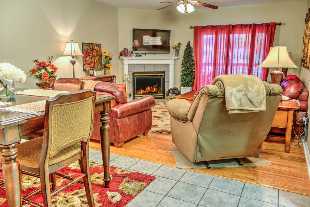 Photo of a Pigeon Forge Condo named Bear Crossing 204 - This is the first photo in the set.