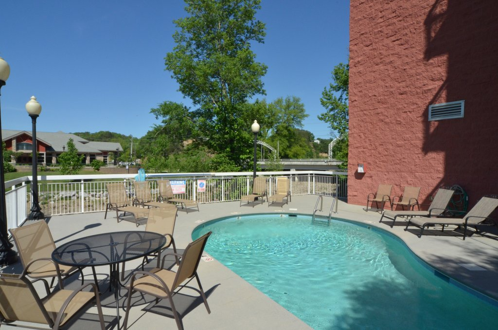 Photo of a Pigeon Forge Condo named Bear Crossing 202 - This is the twenty-second photo in the set.