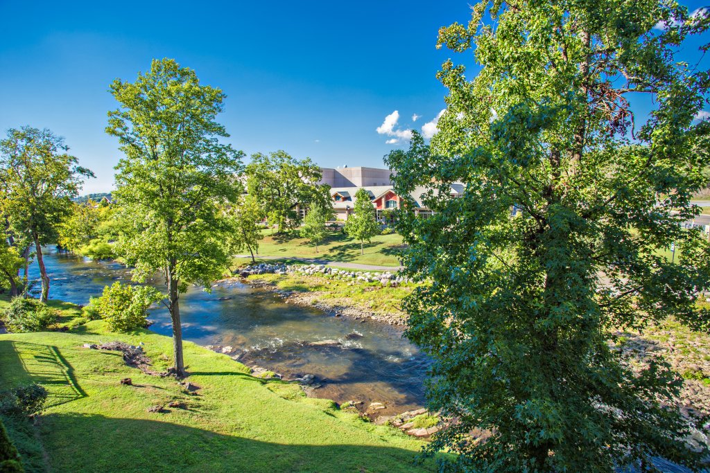 Photo of a Pigeon Forge Condo named Bear Crossing 203 - This is the fourteenth photo in the set.