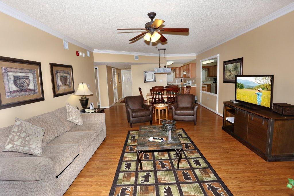 Photo of a Pigeon Forge Condo named Bear Crossing 303 - This is the second photo in the set.
