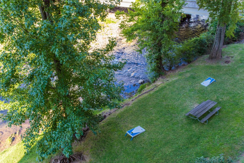 Photo of a Pigeon Forge Condo named Bear Crossing 203 - This is the twentieth photo in the set.
