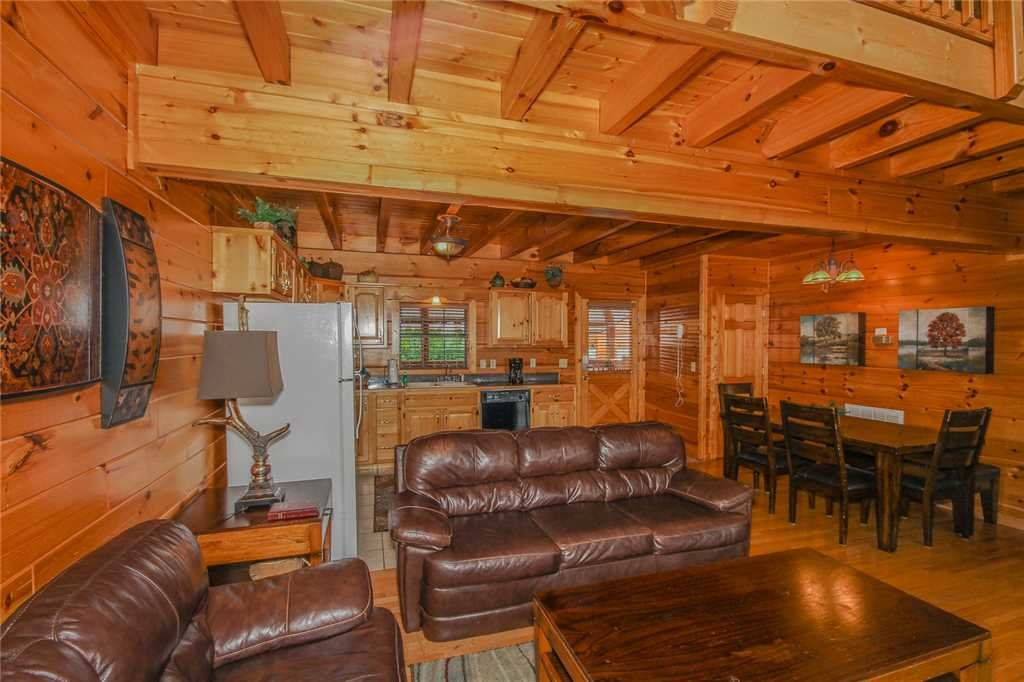 Photo of a Pigeon Forge Cabin named Grand View Lodge - This is the third photo in the set.