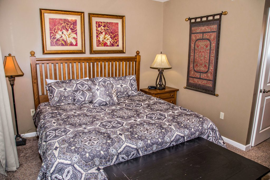 Photo of a Pigeon Forge Condo named Cedar Lodge 302 - This is the eighth photo in the set.